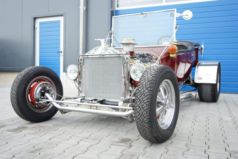 Gesamtansicht Ford T Modell Kühler Hot Rod